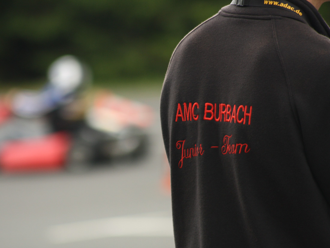 Bestickte Jacken für Kartclub